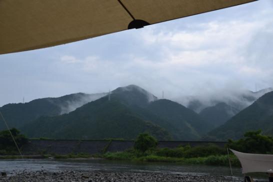 キャンプ 河原 雨 新荘川 高知 須崎