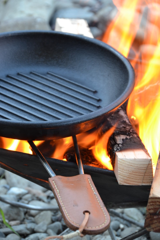 キャンプ 焚き火 五徳 ロッジ ダッチオーブン スキレット