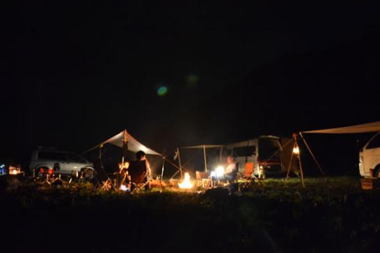 高知 キャンプ 新荘川 焚き火
