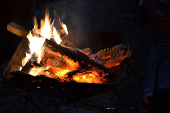 キャンプ 焚火 鍋
