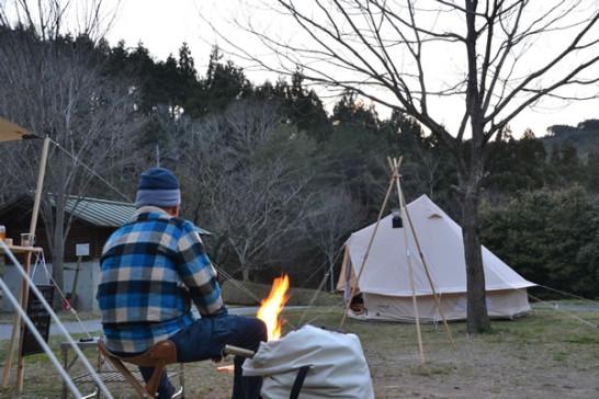 196 キャンプ 焚き火
