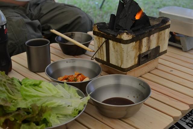 キャンプ 炭火 サムギョプサル