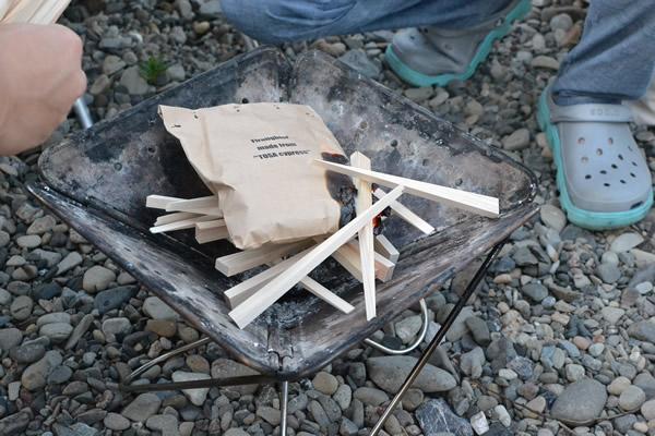 キャンプ 着火剤 196