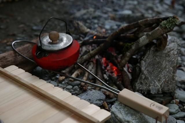 196 キャンプ キャンプ用品 キャンプ道具 アウトドア 木製 ひのき 五徳 グリルブリッジ