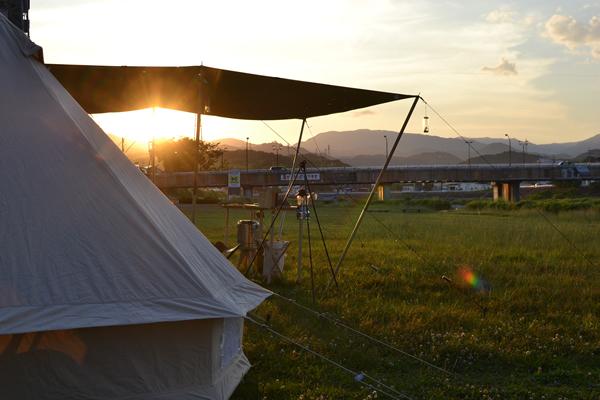 高知市 キャンプ 場所 鏡川 ベルテント コットンタープ