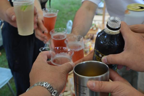 キャンプ インスタ映え 料理 グランピング ギャザリング 196 ビュッフェトレー 乾杯