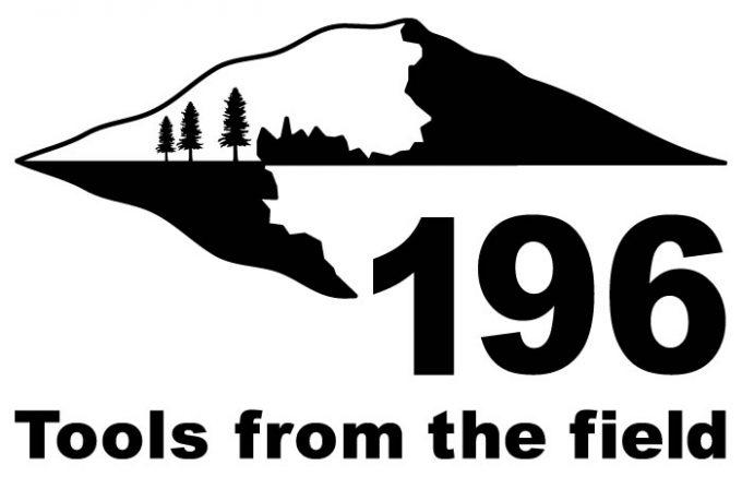196 キャンプ 木製 アウトドア 高知