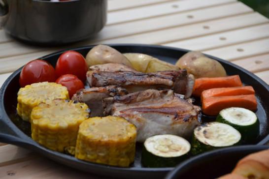 キャンプ用品 キャンプ道具 木製 テーブル ウッドテーブル おしゃれ 料理 ダッチオーブン スキレット