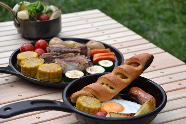 ウッドテーブル ダッチオーブン キャンプ