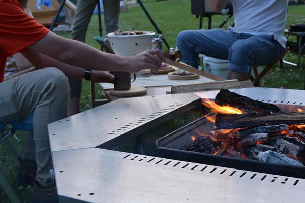 キャンプ 焚き火 ふるさと交流センター