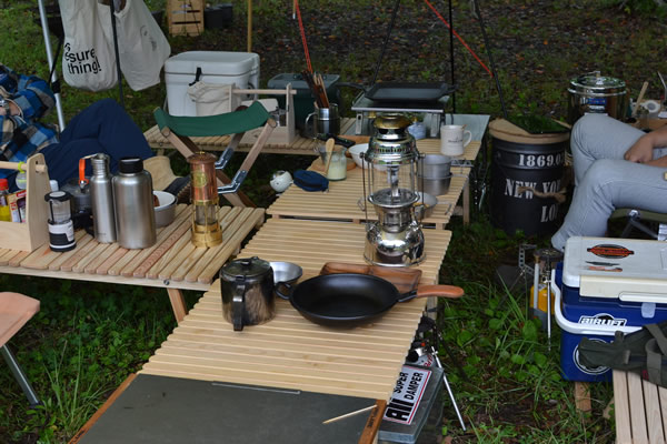 キャンプ 木製 テーブル