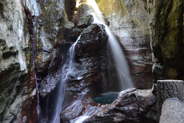 高知 仁淀川町 中津渓谷 滝 紅葉 雨竜の滝