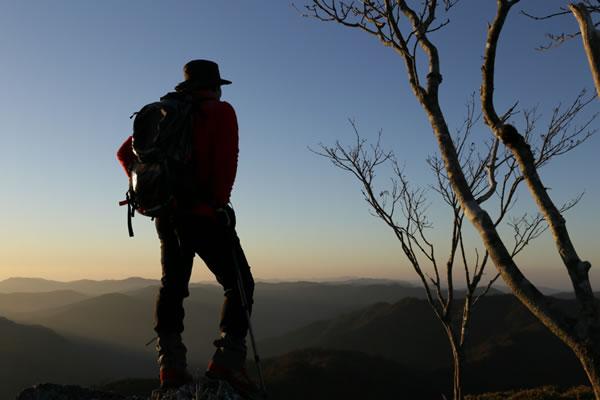 高知 物部 白髪山 三嶺 登山 紅葉 ハイク キャンプ