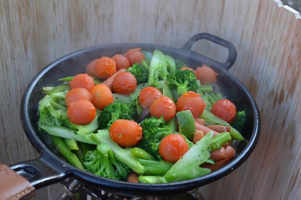 キャンプ 料理 スキレット 温野菜