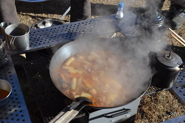 キャンプ キムチ鍋 料理