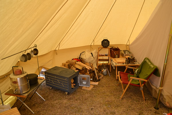 薪ストーブ 新保製作所 角型 窓付 ガード付 キャンプ