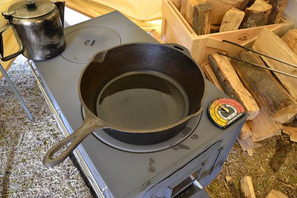 薪ストーブ ロッジ ダッチオーブン コンボクッカー 鋳鉄 料理 LODGE