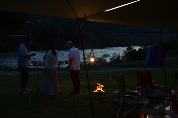 キャンプ BAR バー 宴会