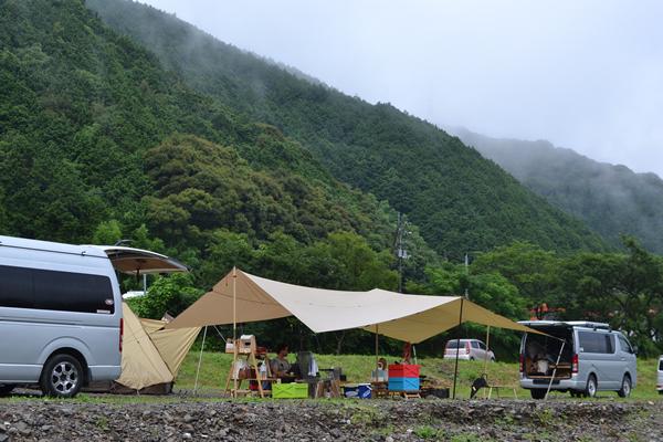 夏キャンプ 暑さ対策 コット 蚊帳 カヤ スタイル