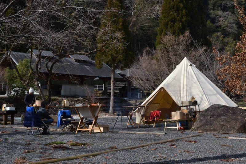 高知 冬キャンプ ベルテント ストーブ 安田川 アユ踊る 清流 キャンプ場