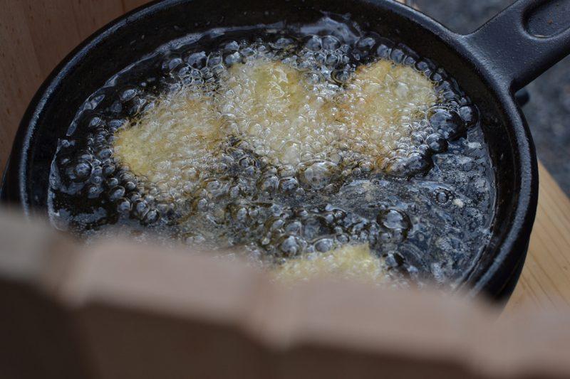 キャンプ 料理 フライ 串揚げ ダッチオーブン タルタルソース