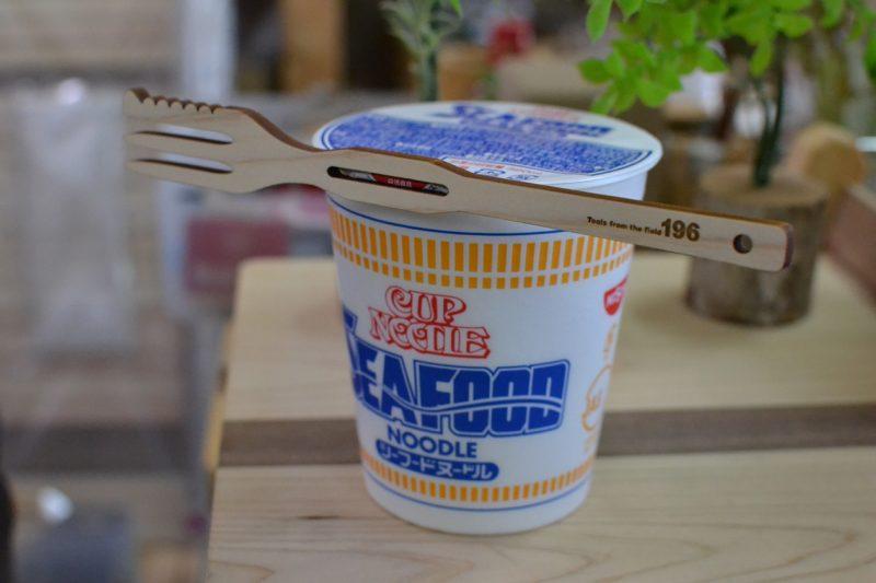 カップ麺 カップラーメン 専用 フォーク 木製 ウッド アオハルかよ HUNGRY DAYS ワンピース